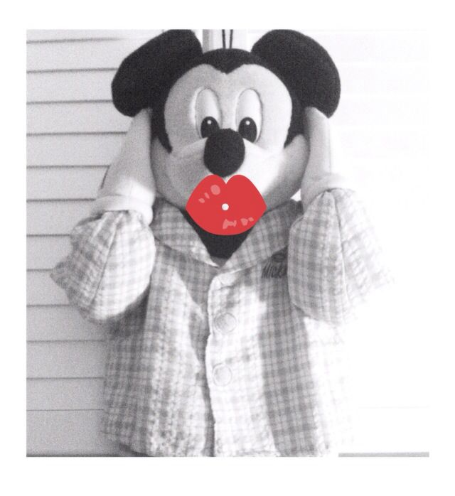 More kisses. Less stress #mickey