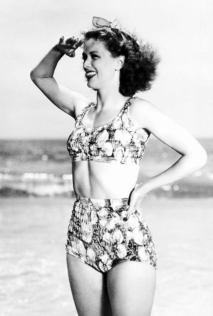 Eleanor Powell at the beach (ca. 1945)
