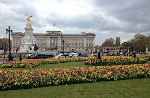 Visiting Buckingham Palace London