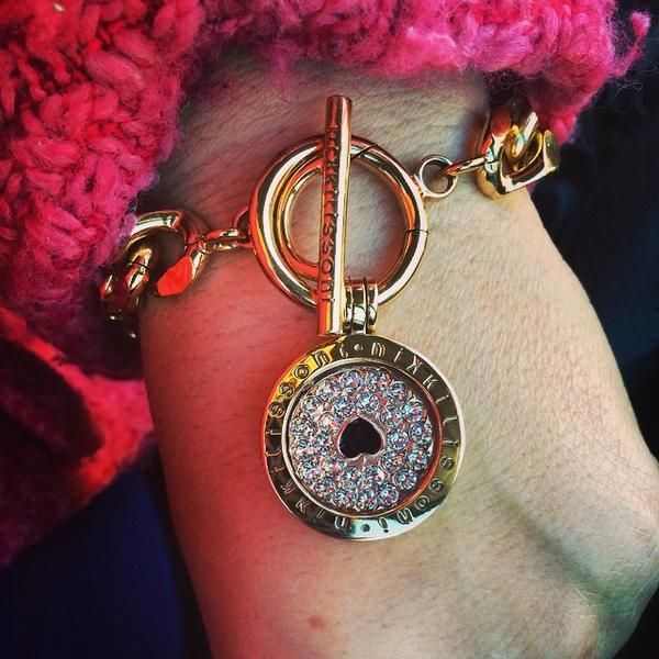 Our gorgeous You Make My Heart Sparkle coin! -xx-