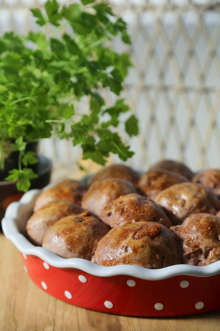 Rødvinsbrød med valnøtter (eller Pain vigneron) #red_wine #vin #roedvin #raudvin #walnuts #bread #yeast #gjaerbakst #rolls #rundstykker
