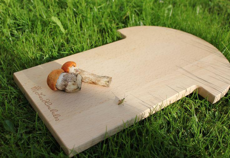 Prkénko ve tvaru houby.