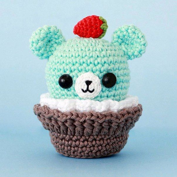 Ami-Domi Land: вяжем амигуруми: Мишка-кекс амигуруми. Вязаная корзинка
