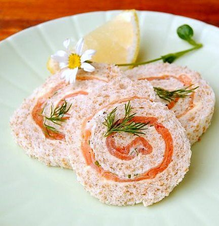 Old-Fashioned Pinwheel Sandwiches with Smoked Salmon, Crème Fraîche & Horseradish   Scrumptious South Africa