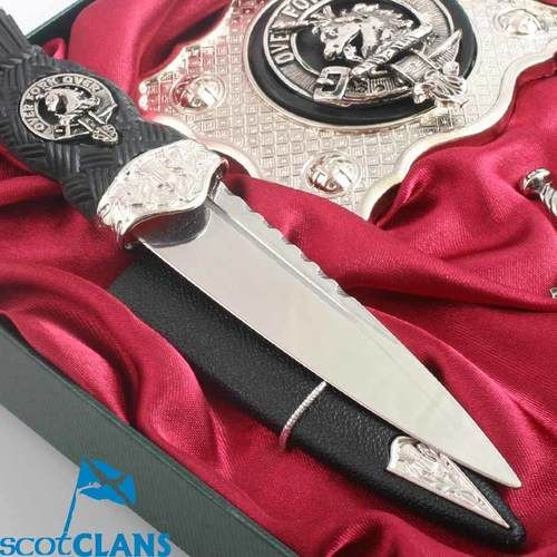 Clan Fraser - Clan Crest Kilt Accessory Gift Set Set of Kilt accessories in this magnificent boxed gift set, Pewter belt buckle, cufflinks and kilt pin with stainless steel handle sgian dubh, all with your choice of clan crest.  Scotclans, a website dedicated to Scotti