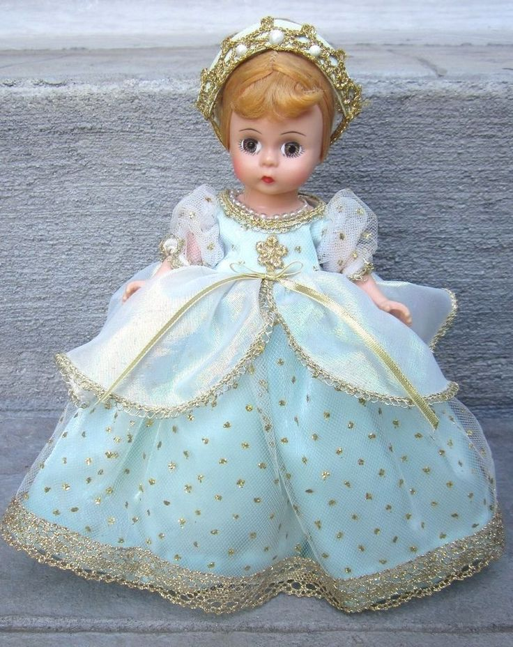 Vintage MADAME ALEXANDER DOLL COMPANY Cinderella Ball Gown 476 Doll Box & Stand! #Dolls