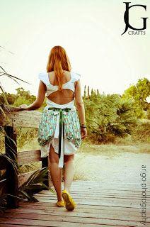 JG Crafts: Caramel. (Raft.O)213 Βαμβακερό φόρεμα με ανοιχτή πλάτη. Δένει και σφίγγει με κορδέλα στο πίσω μέρος του φορέματος. Μπροστά στο στήθος υπάρχουν κουμπιά που μπορεί να φορεθεί και από εκεί.  40 ευρώ Φωτογράφηση: Argo photography Μοντέλο: Christina Godmother Corleone Make up: Κατερίνα Δ.