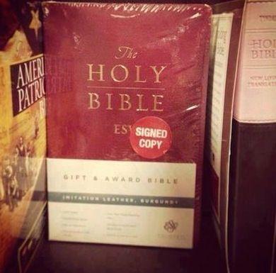 recensioni romanzi, recensioni libri, recensioni programmi televisivi, critica, blog umoristico, umorismo, lol, bibbia,