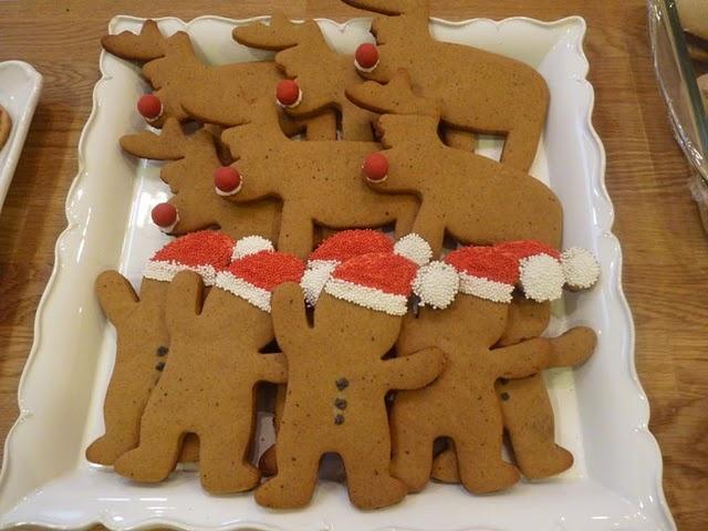 lovely: Christmas Seasons Stuff, Xmas Cookies, Christmas Stuff, Christmas Holidays, Christmas Cookies Haha, Cookies Lov, Christmas 3, Gingerbread Cookies, Classic Christmas
