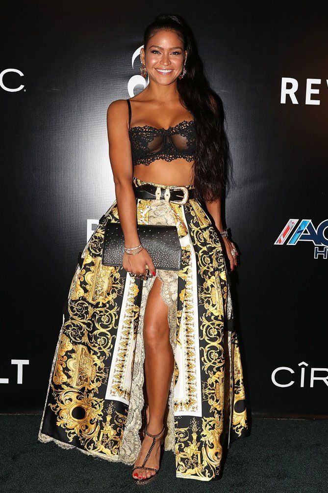 Cassie in a black lace bra and Versace skirt 3f69c325bb02e