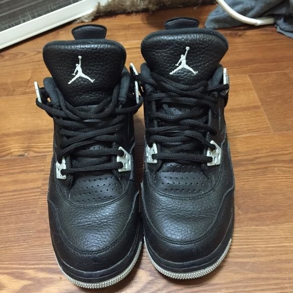 Jordan Oreo 4s Jordan Oreo 4s, Worn 2 times , Good Condition, Price negotiable Jordan Shoes Sneakers