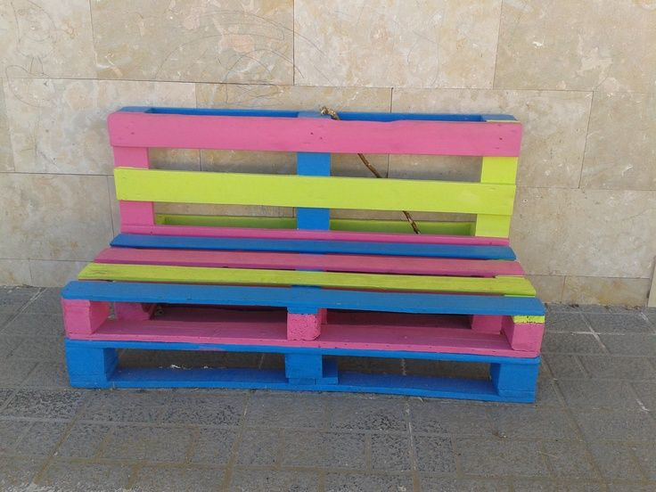 Reciclar palet de madera para construir un banco de for Banco de paletas de madera