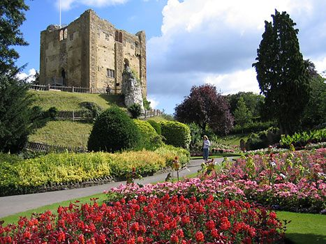 The oft forgotten Guildford Castle    It really is just this beautiful in the summer.  The gardens took my breath away, as English gardens so often did.