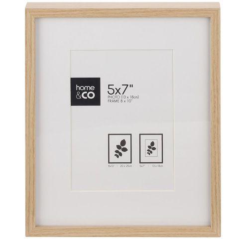 Zurich Frame - 5in. x 7in. (13cm x 18cm), Oak