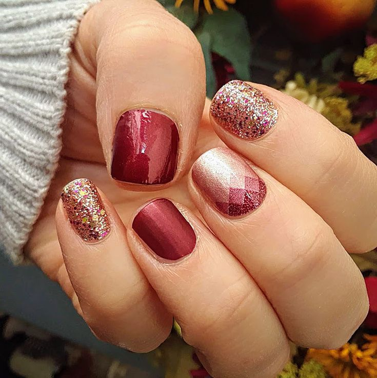 What a combo! Venetian Velvet (matte top coat on ring finger), Silicon Valley a…