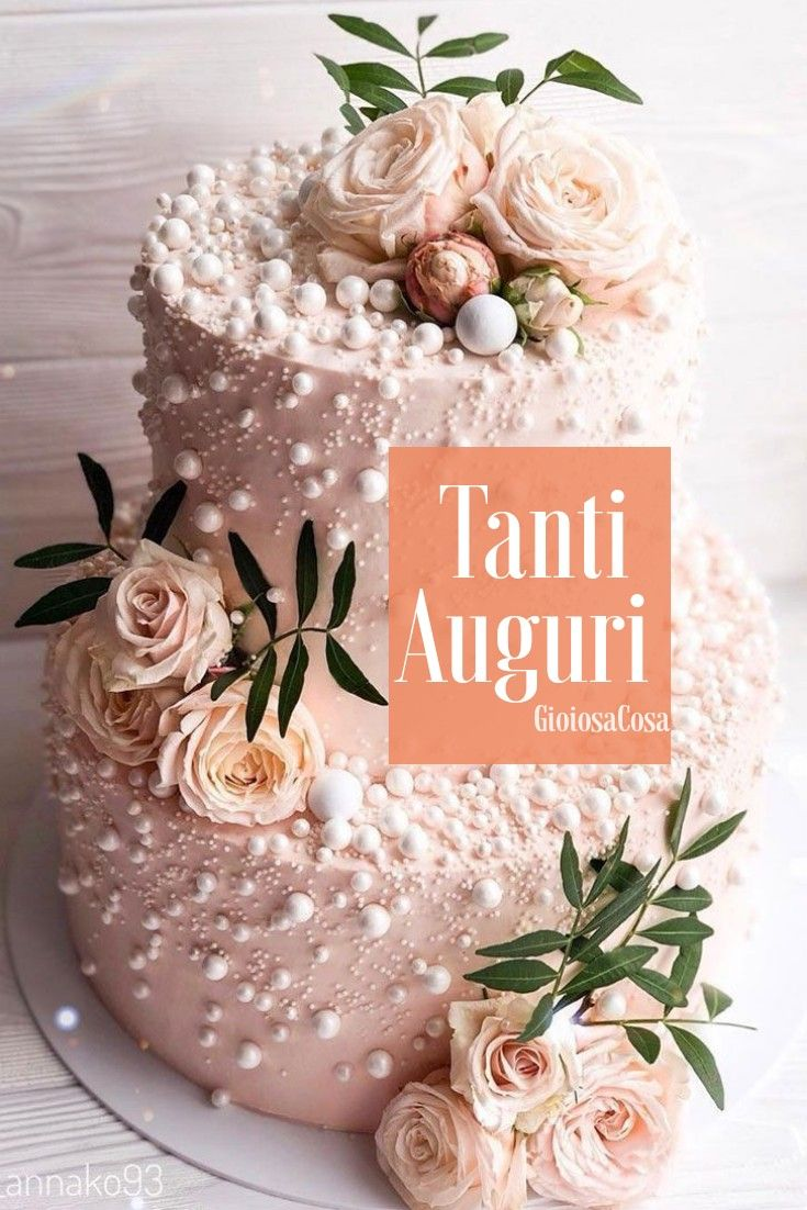 Elegante Torta Decorata Con Perline Di Zucchero Su Una Base Rosa