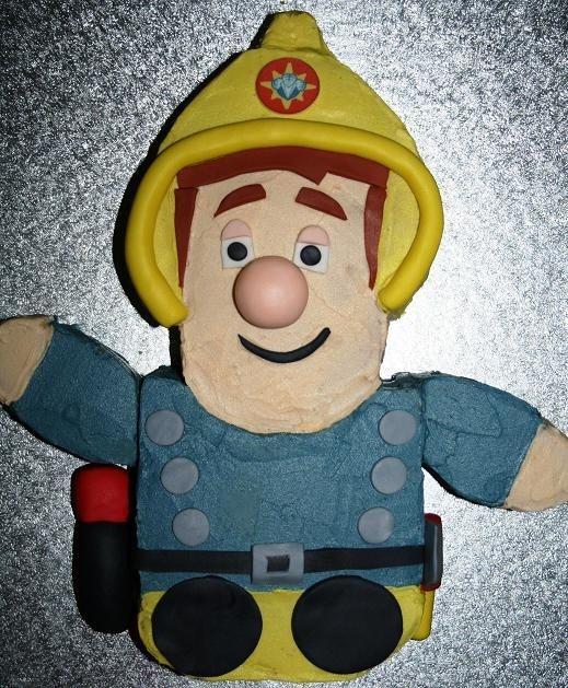 fireman sam cake..Owen would be beside himself. He loves fireman sam!