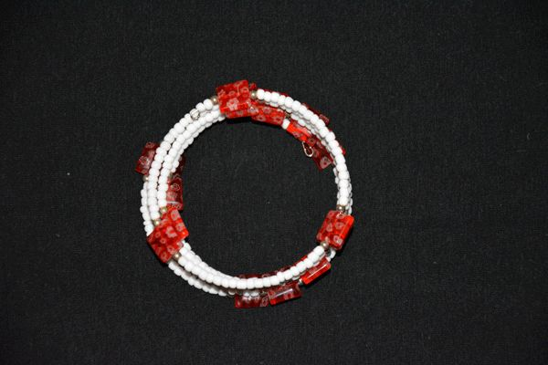 Memory wire armband wit met rood