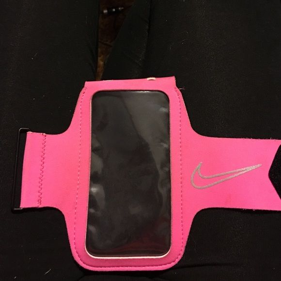 Nike ArmBand Fits iPhone 5s but I'm sure it can fit iPhone 6. It was a little big on my iPhone 5, does not fit iPhone 6 Plus. Nike Accessories Phone Cases