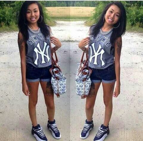 Chicks in kicks  That's like the perfect combo of Yankees and J's!
