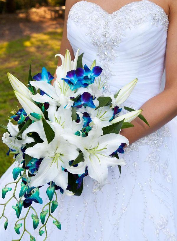 Букет невесты из белых лилий каскадный. Каким должен быть букет невесты в разное время года
