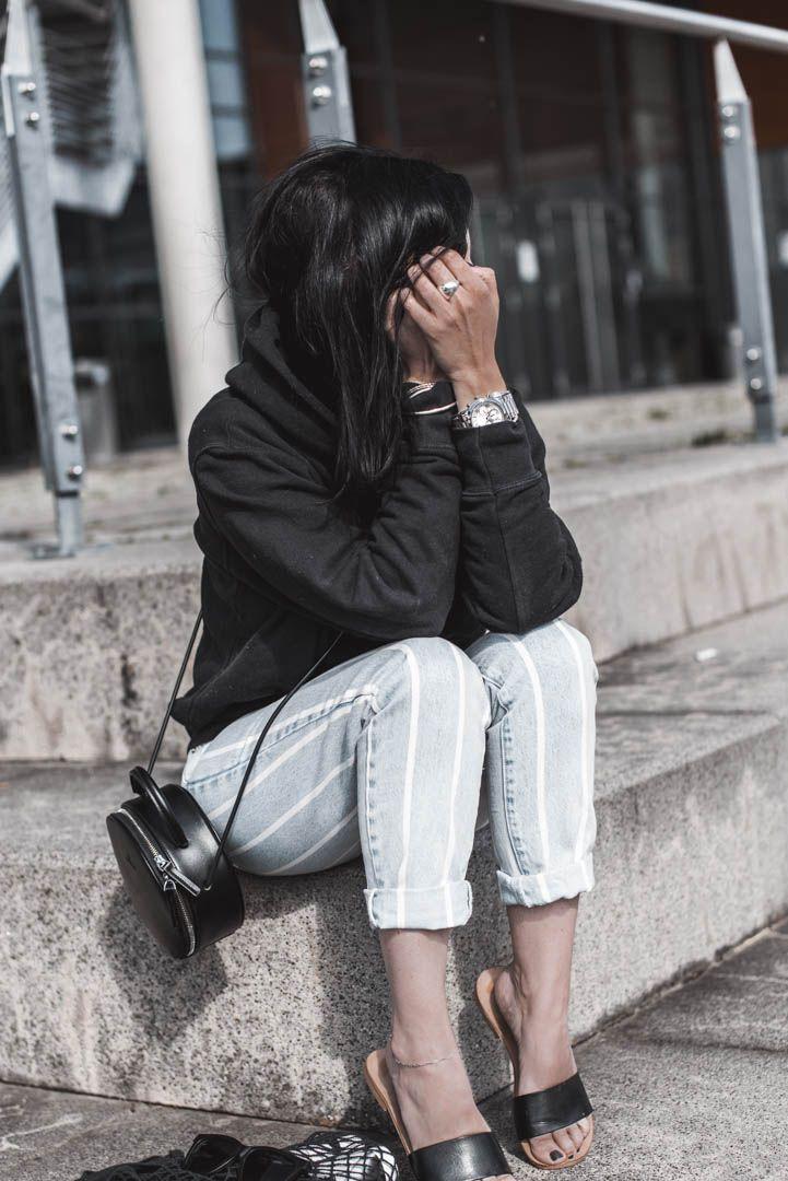 Basics kombinieren – warum schlichte Kleidung im Schrank lohnt – Sinnessuche