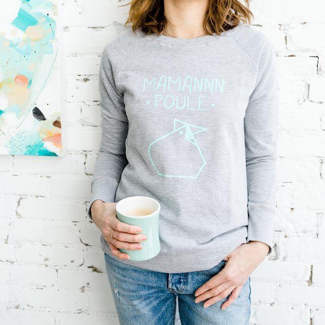 Maman Poule and her essential coffee  ..................... La Maman Poule - disponible en magasin et en ligne en 3 couleurs - et son indispensable café  #monvestibule