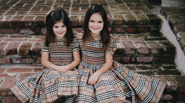 These Childhood Pictures Of Kendall And Kylie Jenner Are The Most Adorable Thing You'll See On The Internet Today