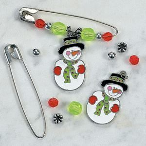 77 best safety pin crafts images on pinterest safety pin for Safety pins for crafts