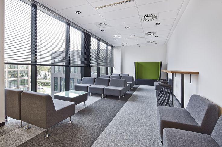 Biuro firmy QLock w budynku The Park Warsaw przy ulicy Krakowiaków 50.