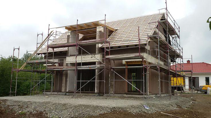 Einfamilienhaus mit massiven haufwerksporigen Außen und