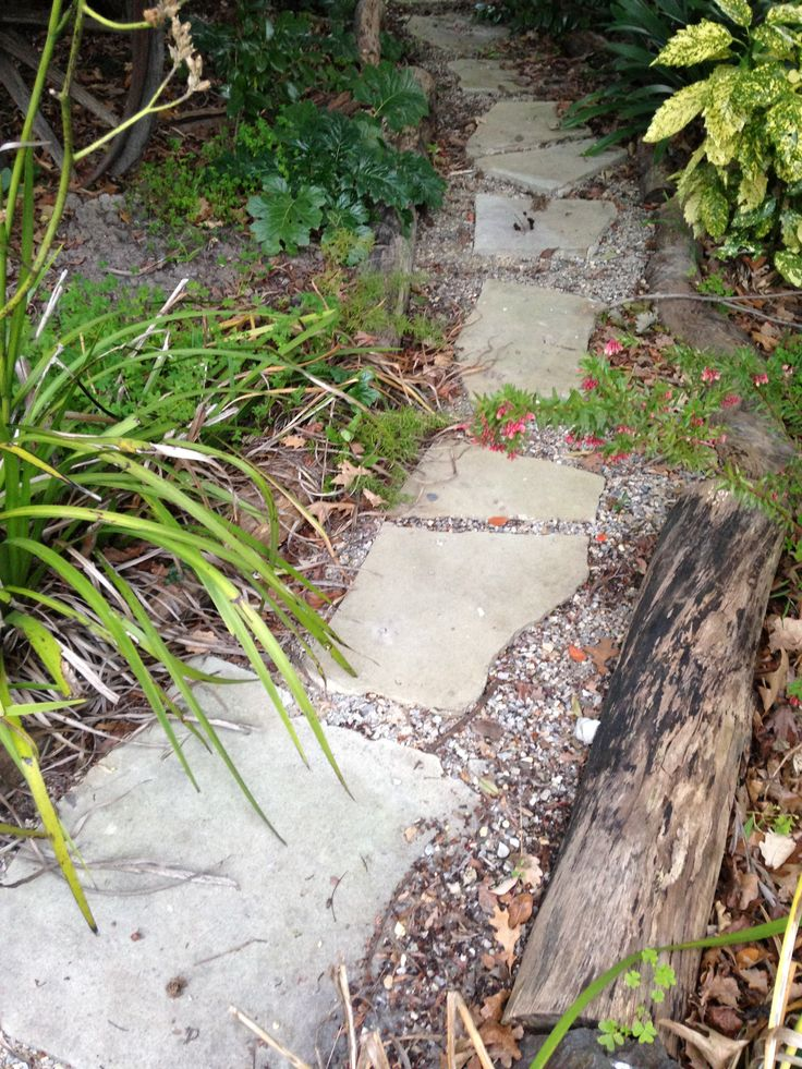This garden path features random crazy #Sandstone pavers place directly into Lilydale toppings.