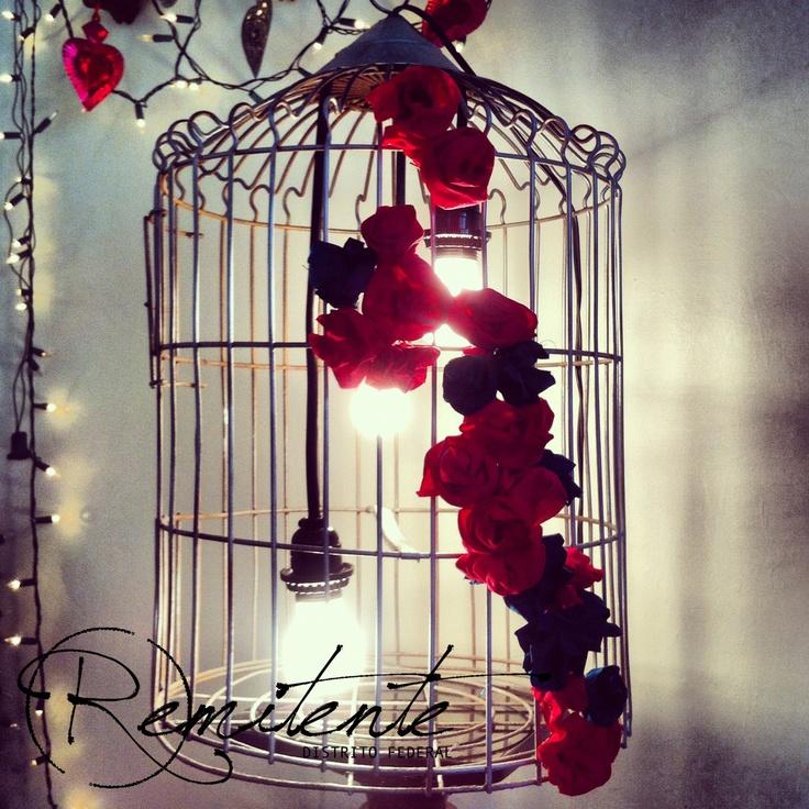 800 jaula convertida en l mpara y decoraci n de flores - Decoracion con jaulas ...