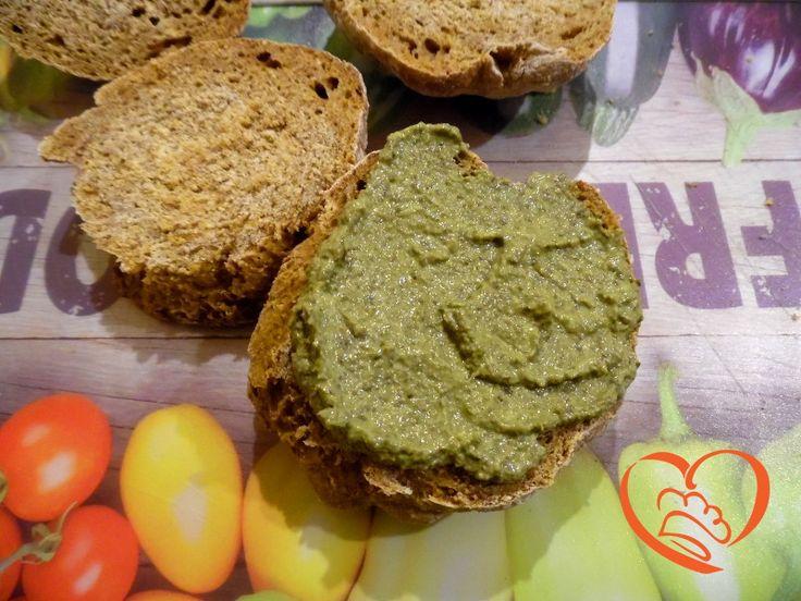 Crema di spinaci http://www.cuocaperpassione.it/ricetta/af3c1f4c-9f72-6375-b10c-ff0000780917/Crema_di_spinaci