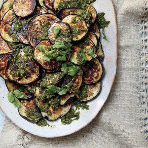 Gastronomía. Receta israelí de berenjenas asadas con chermoula
