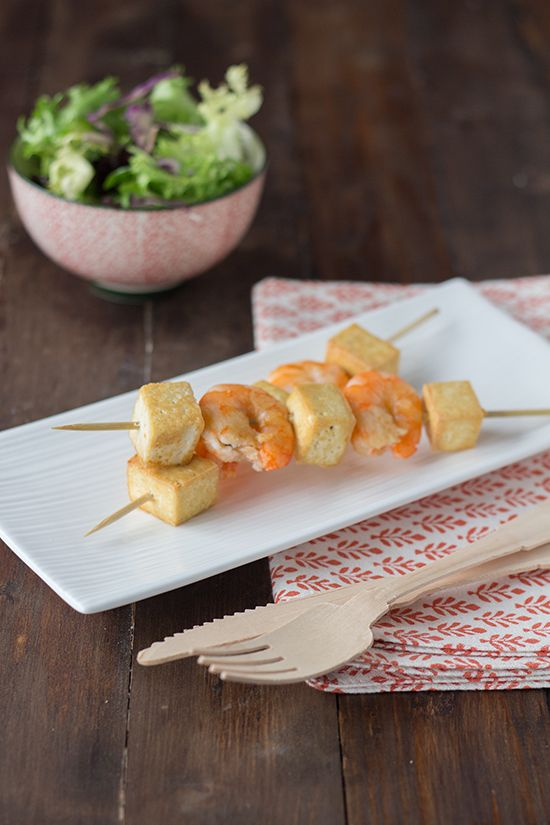 Brochetas de tofu y gambas marinadas en Vivesoy. Una #comida o #cena ligera que seguro que ¡os encanta!