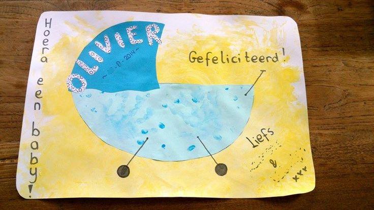 Geboortekaart/tekenening  voor de geboorte van een neefje/nichtje broertje of zusje...  Deze kinderwagen is gemaakt door een een peuter van 3jaar, met de handafdrukken van zijn broerje van 1jaar.