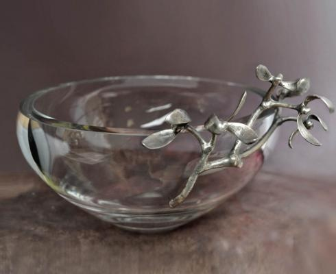 BOWL WITH MISTLETOE