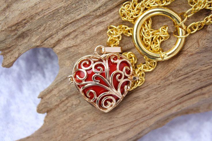 Medaillonketten - Kette Herz Engelrufer Klangkugel gold rot         - ein Designerstück von trixies-zauberhafte-Welten bei DaWanda