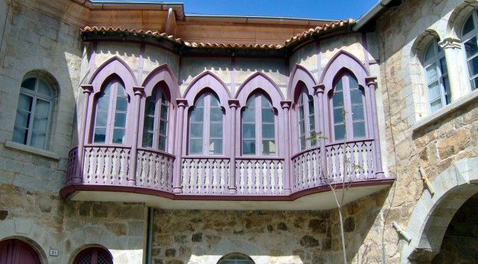 Balconata palazzo della direzione delle miniere di Ingurtosu