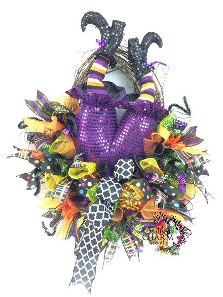 how to assemble a raz witch butt wreath halloween door wreathshalloween decorationshalloween - Raz Halloween Decorations