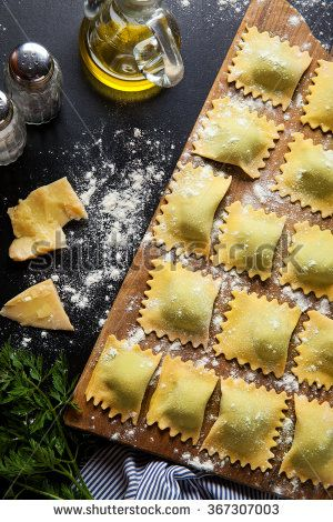 ravioli with spinach and ricotta
