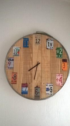 Les 25 meilleures id es de la cat gorie horloge en palette for Meubles nuances montreal