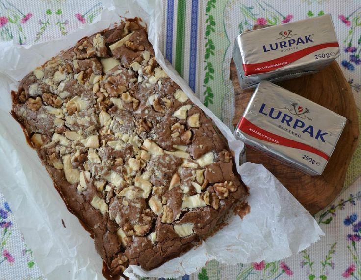 Brownies με 2 σοκολάτες και καρύδια