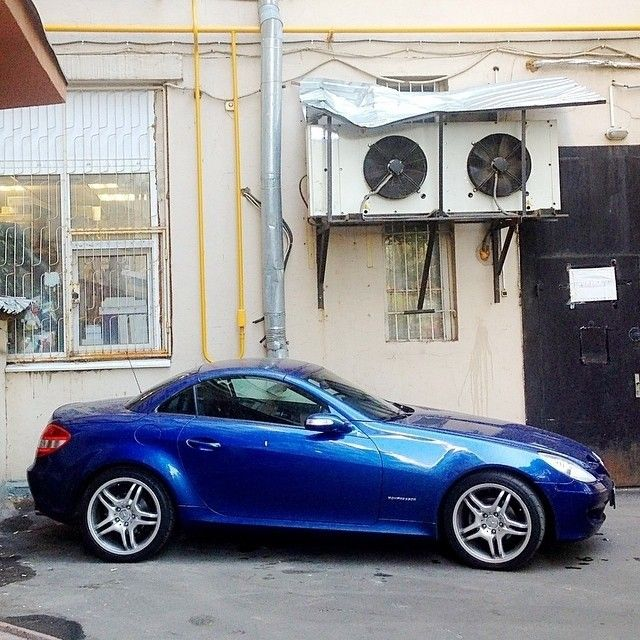 "@mercedesbenz's photo: ""We say Hello the new Instablog of @bluebenz . You have a very nice Mercedes-Benz SLK 200 . ;-) #mbfanphoto #mercedes #mercedesbenz #blue #slk200 #slkclass #life #moscow #kompressor #passion #lifestyle #love #owner #fun #drive #instacar"""