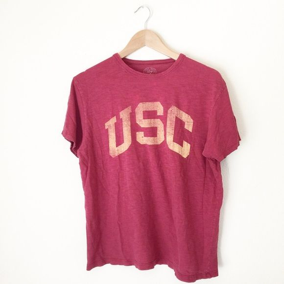 Vintage USC shirt A baggy small USC shirt. In good condition. Minor spots by the color but it came with it. Bought this many years ago. Great to wear with jeans to see any USC games! Tops Tees - Short Sleeve