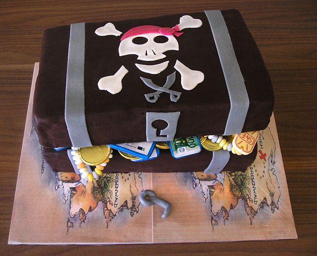 piraten kuchen leckere rezepte von geburtstagskuchen und torte in form der schatztruhe und. Black Bedroom Furniture Sets. Home Design Ideas