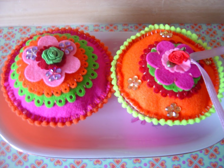 Vilten cupcake`s made by SandraCreaties.