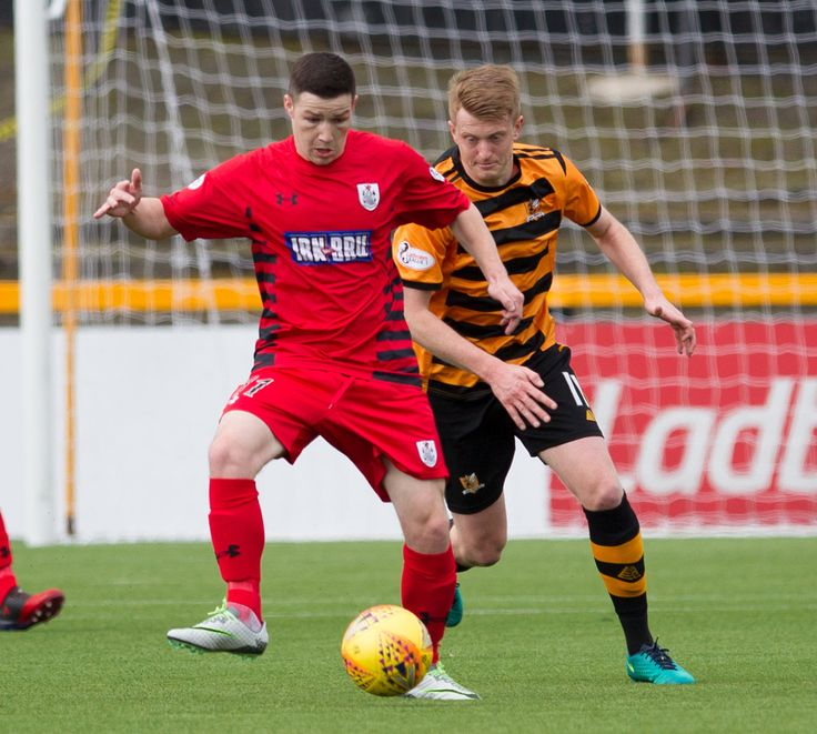 Queen's Park's Conor McVey in action during the SPFL League One game between Alloa Athletic and Queen's Park.