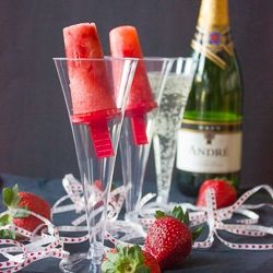 Strawberry Champagne Popsicles--Something to share with your loved one on Valentines Day!